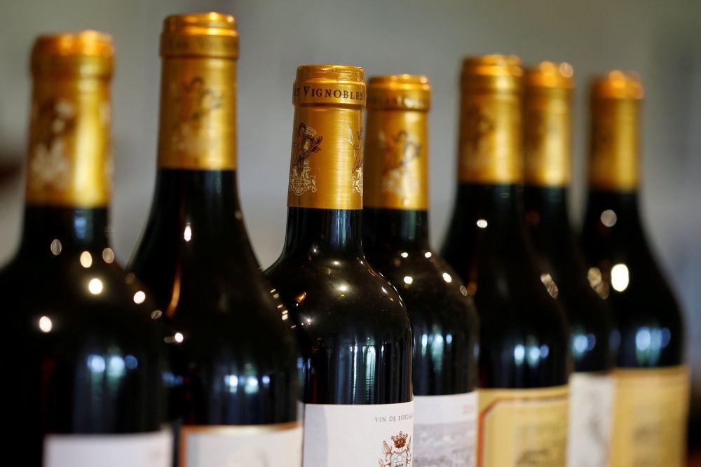 billede af vinflasker
