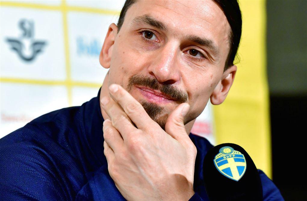 Nærbillede af Zlatan på pressemøde