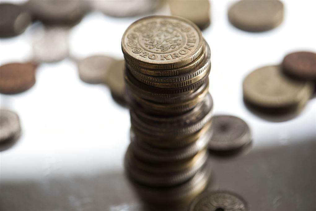 Penge på et bord