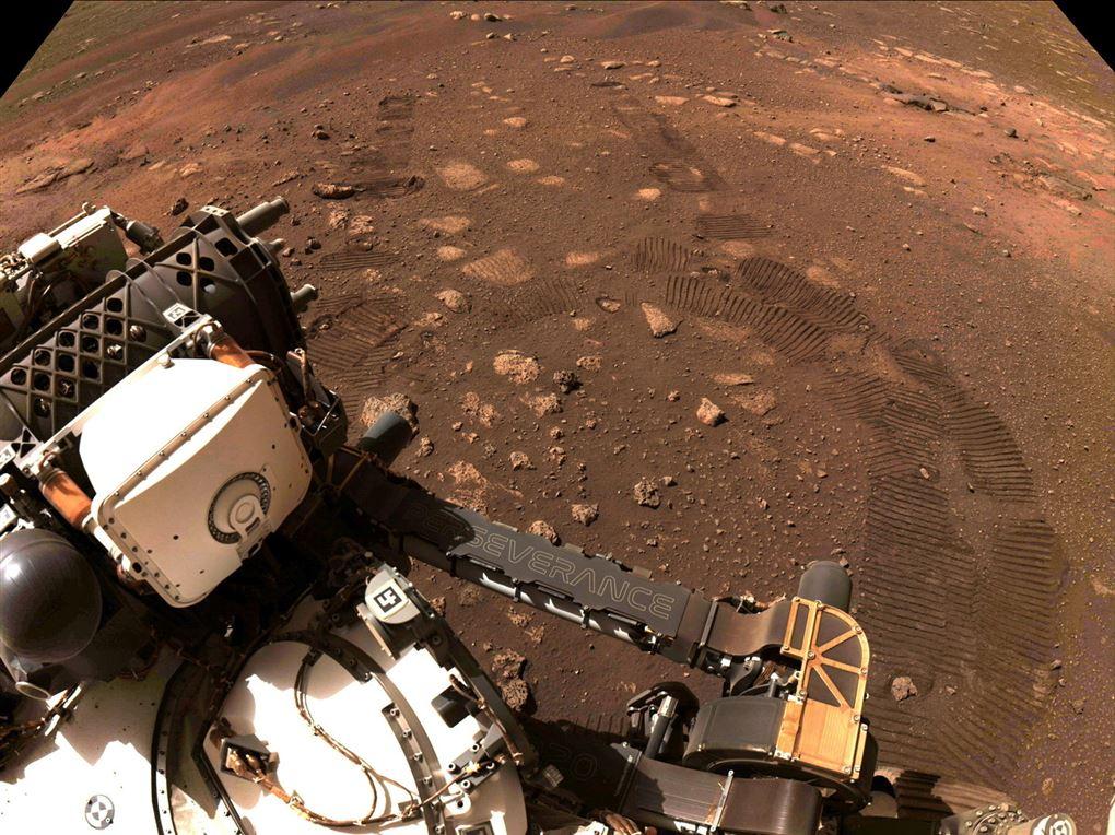 Perserverance kører på Mars