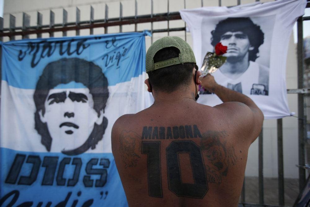 Flag med Maradonas portræt