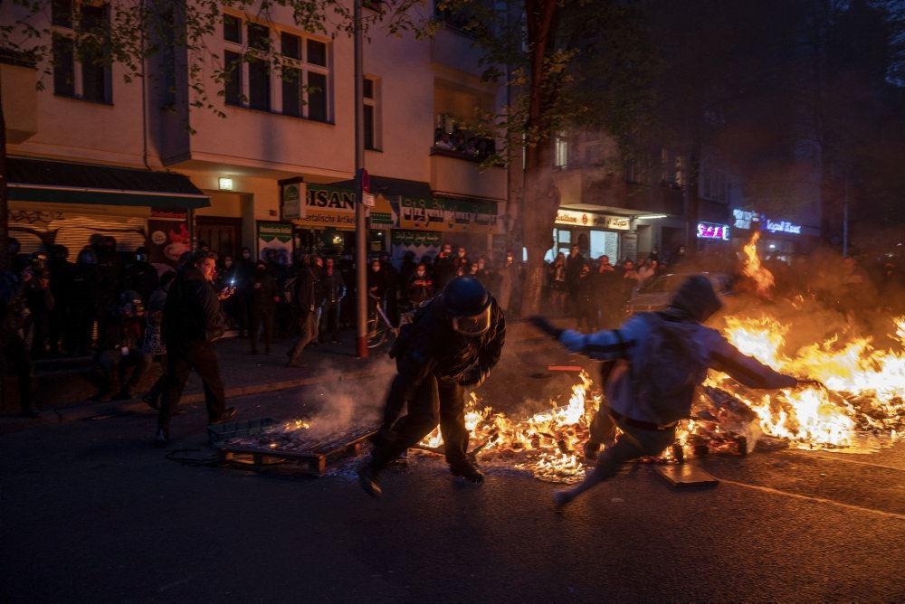 bål og brand i gaderne