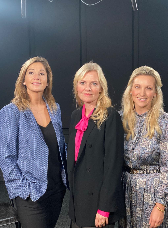 tre smukke kvinder