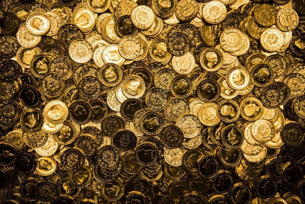 mønter i stor bunke