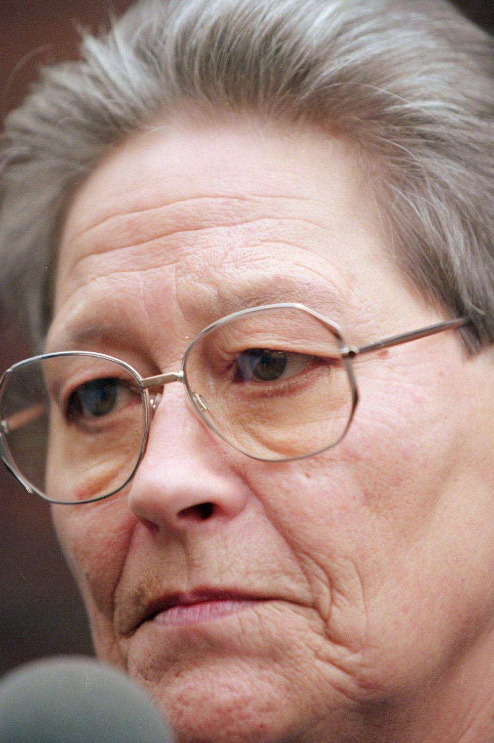 nærbillede af kirsten stallknecht iført briller