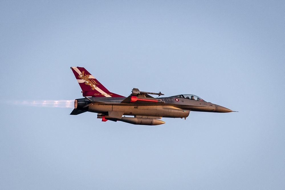 Et F-16-fly