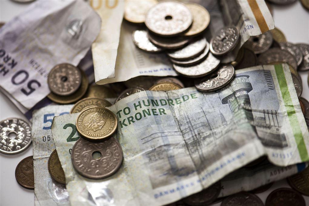 billede af pengesedler og mønter