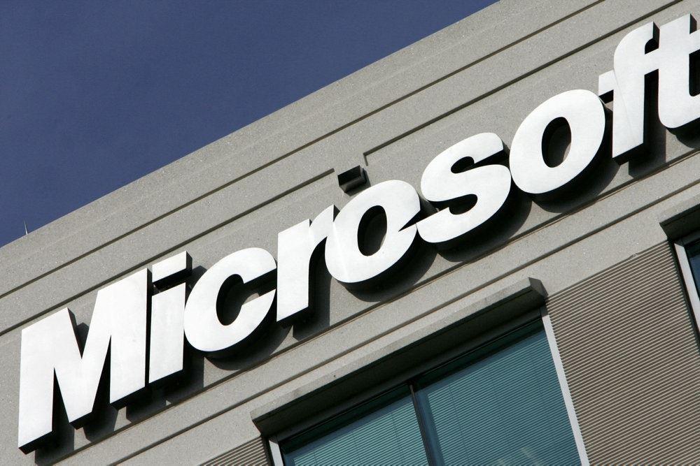 microsoft logo ses på bygning