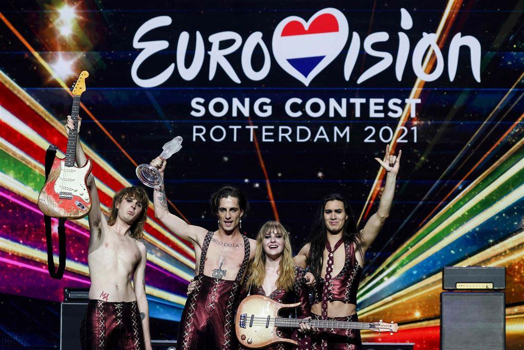 musikband jubler over sejr i eurovision