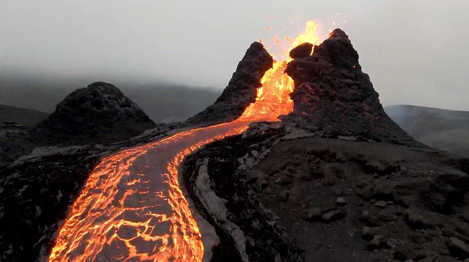 vulkan set på afstand
