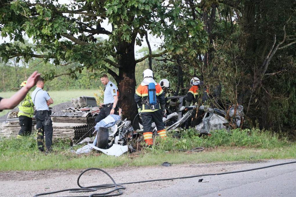 redningsmandskab arbejder efter ulykke
