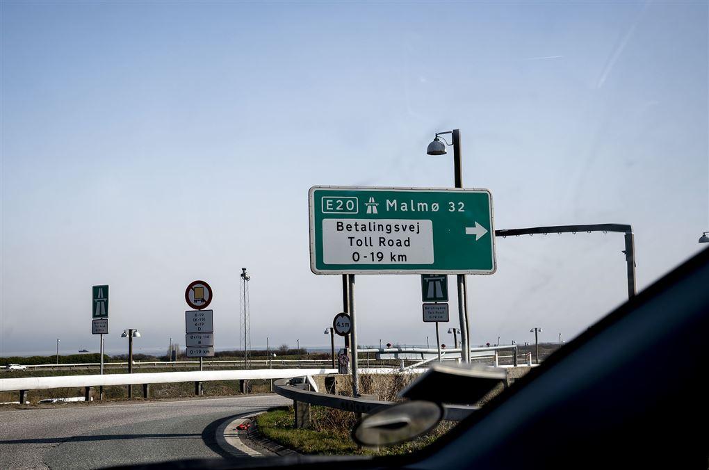 Motorvejsskilt ved Øresundsbroen