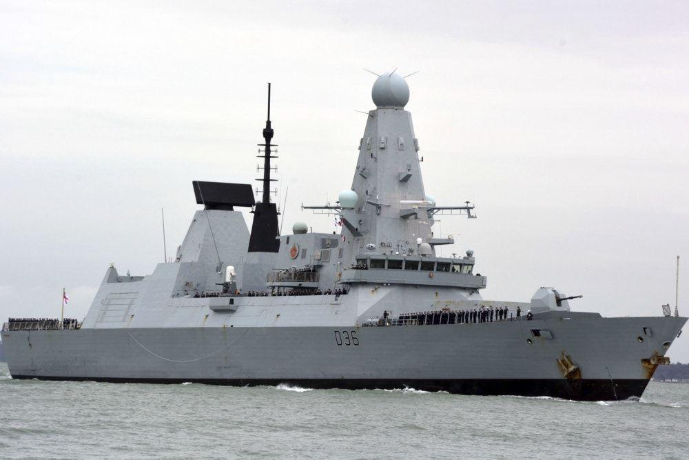 """Den britiske destroyer """"HMS Defender"""""""
