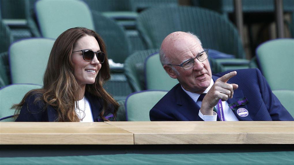 Hertuginde Kate ses ved den igangværende Wimbledon-turnering