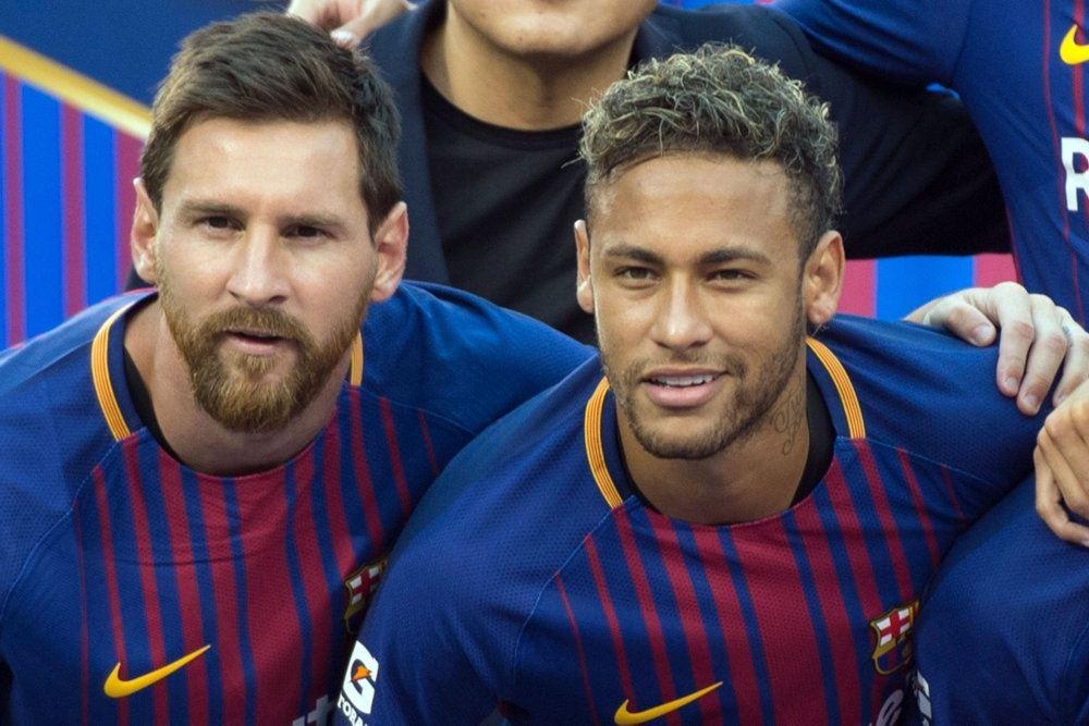 Neymar og Messi på holdfoto