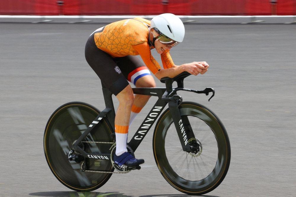 kvindelig cykelrytter