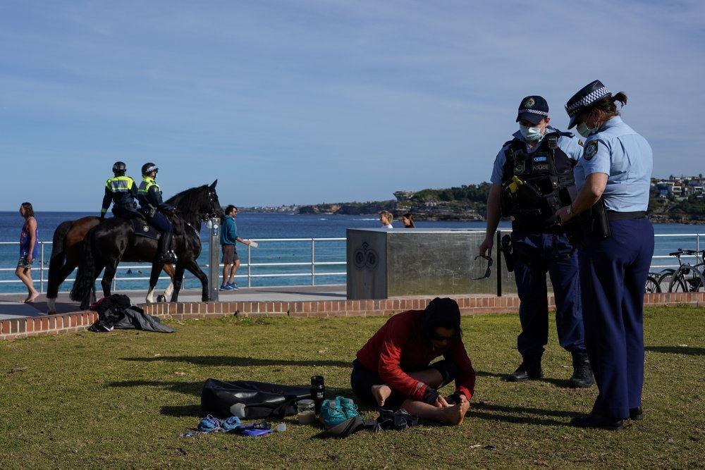 politi på en strand