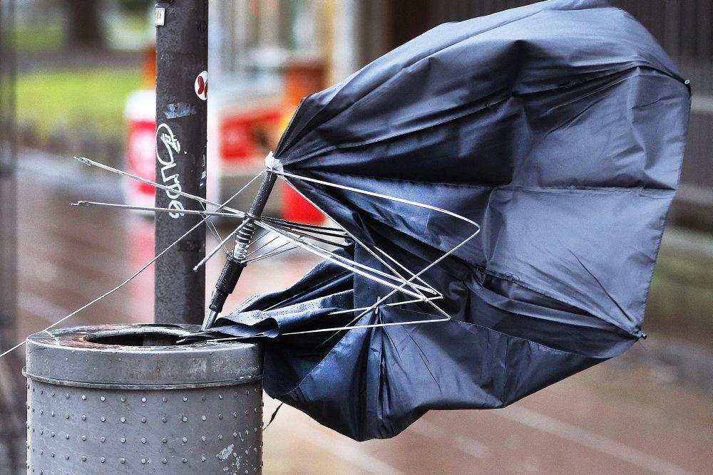 En smadret paraply