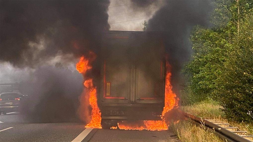 lastbil i brand