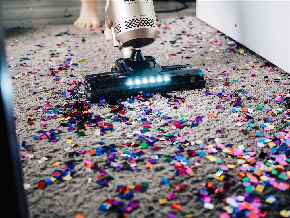 Støvsuger og konfetti