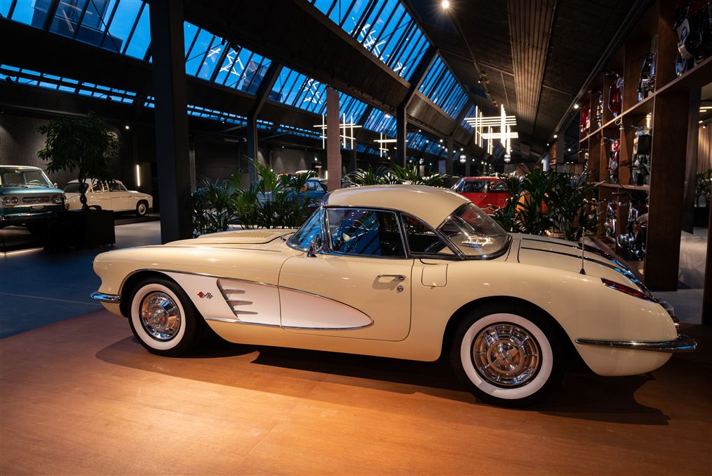 en hvid Corvette