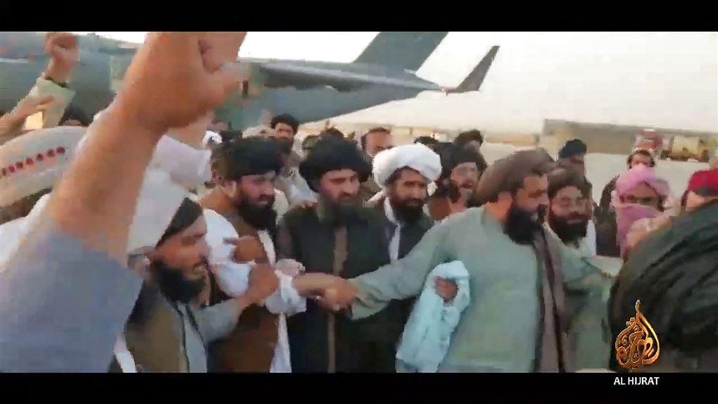 Baradar ankommer til Afghanistan.