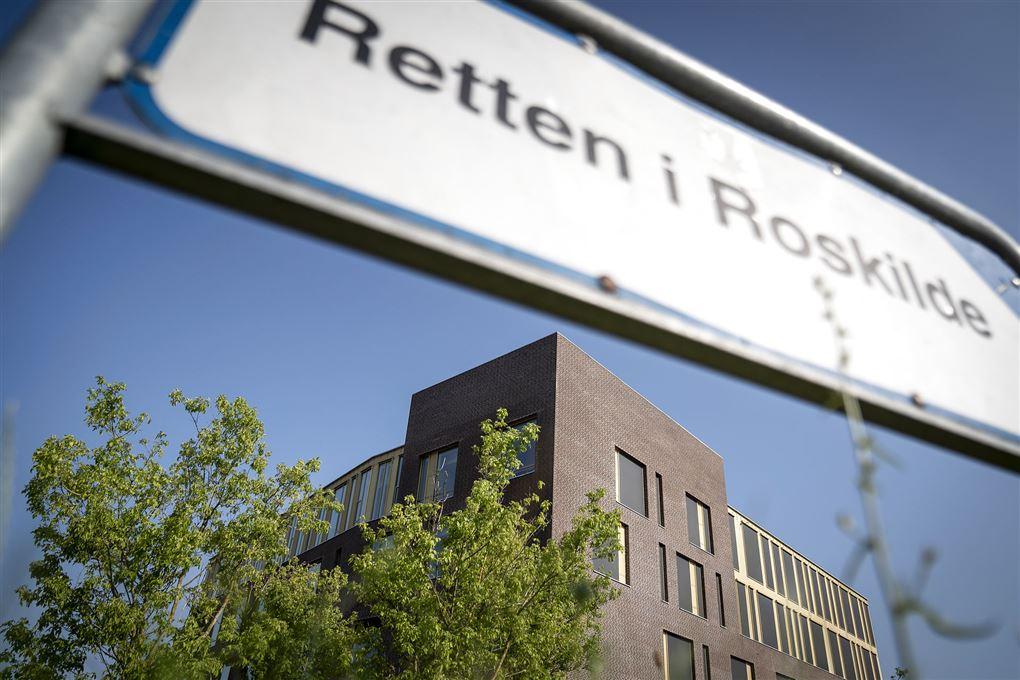 Skilt til retten i Roskilde