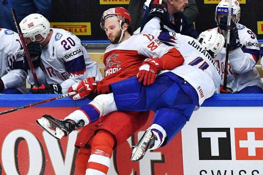 en voldsom ishockeyksmp