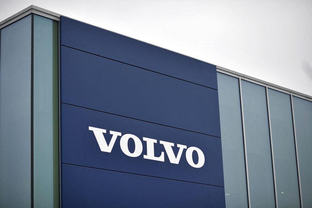 volvo-logo på bygning