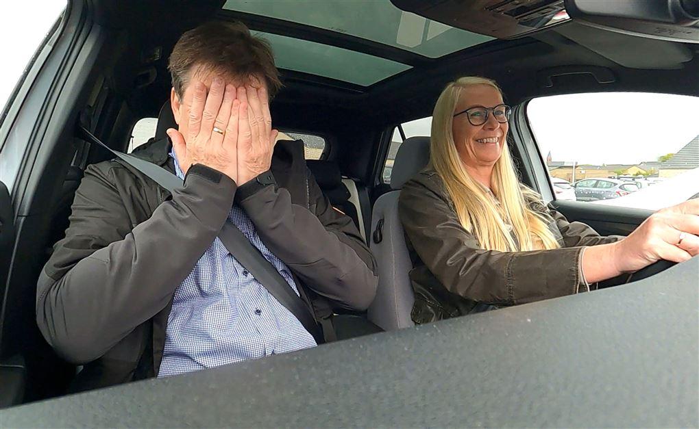 Et par i en bil