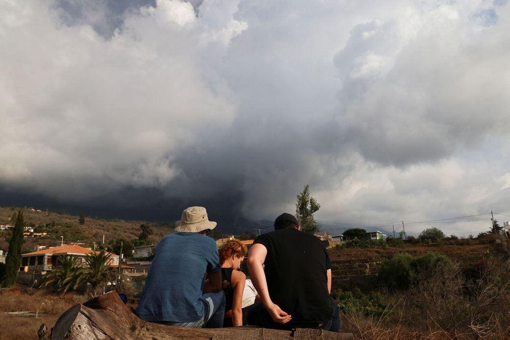 Røg og aske fra vulkan