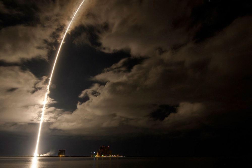 raket opsendes
