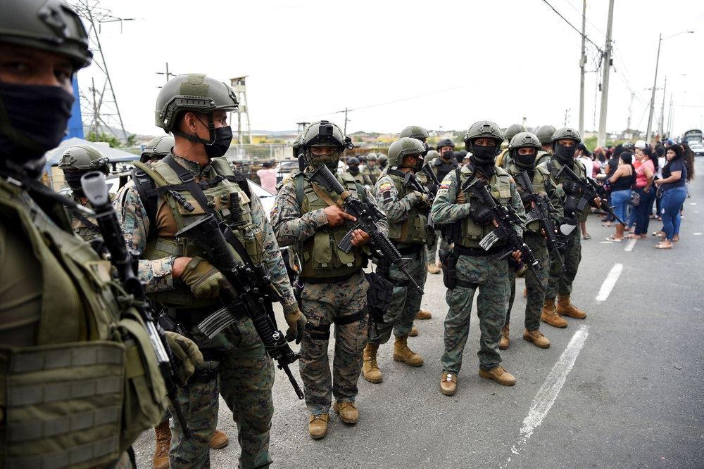 Soldater på rad og række