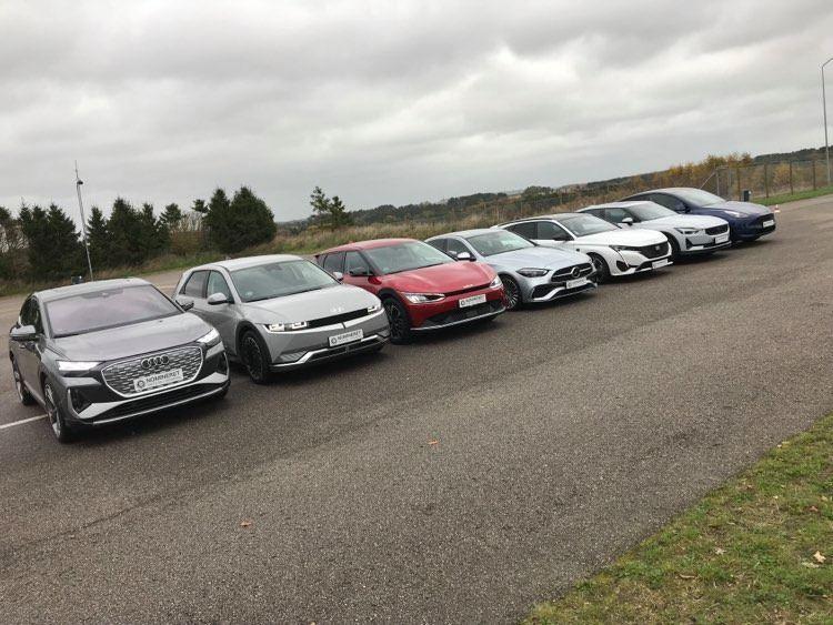 7 biler på række