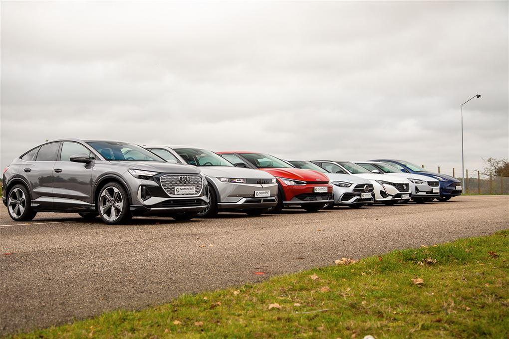 Syv biler på række